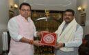 सीएम ने केन्द्रीय शिक्षा मंत्री से नरेंद्र नगर और कोटद्वार में केंद्रीय विद्यालय की मंजूरी का किया अनुरोध