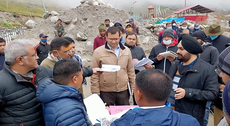 मुख्य सचिव ने किया केदारनाथ पुनर्निर्माण कार्यों का निरीक्षण