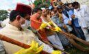 केंद्रीय मंत्री प्रहलाद जोशी व सीएम धामी ने किया स्वच्छता कार्यक्रम में प्रतिभाग