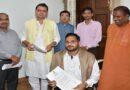 मुख्यमंत्री से दिव्यांग तैराक सत्येंद्र सिंह लोहिया ने की भेंट